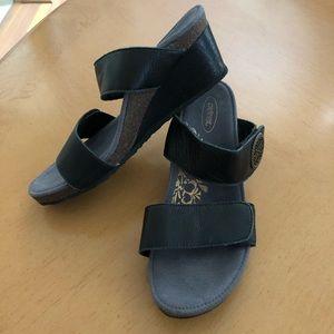 Aetrex wedge sandals